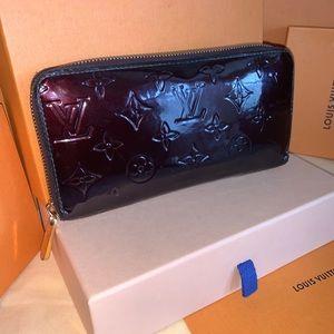 Louis Vuitton long vernis zippy wallet